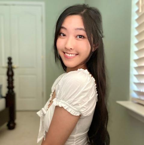 Joy Wang headshot